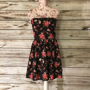 Forever 21 Black Red Strapless Floral Dress